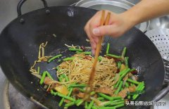 炸酱面真棒:地道的老北京炸酱面怎么做才好吃?你还知道面条的什么特色吃法?
