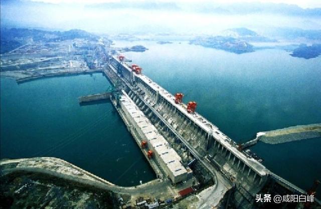 三峡大坝旅游区2019年接待游客达320万人,创历史新高,你怎么看?