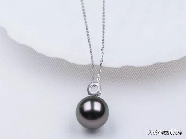 如何鉴别大溪地黑珍珠与人工黑珍珠?