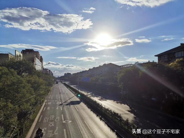 去北京旅游住哪最便宜啊,交通又方便?