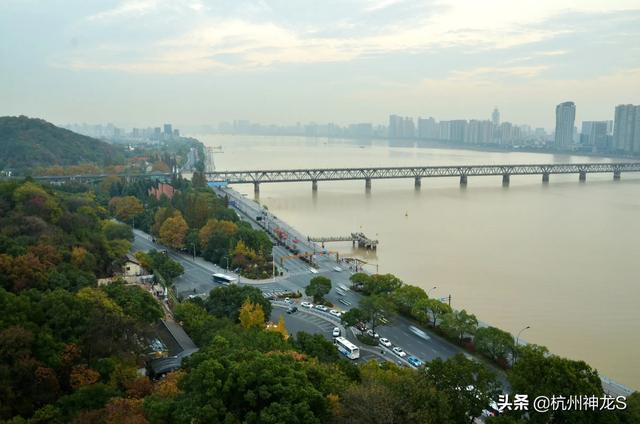 去杭州旅行,给你最大的感受是什么?