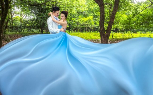 旅拍婚纱照一般多少钱?是不是挺贵的